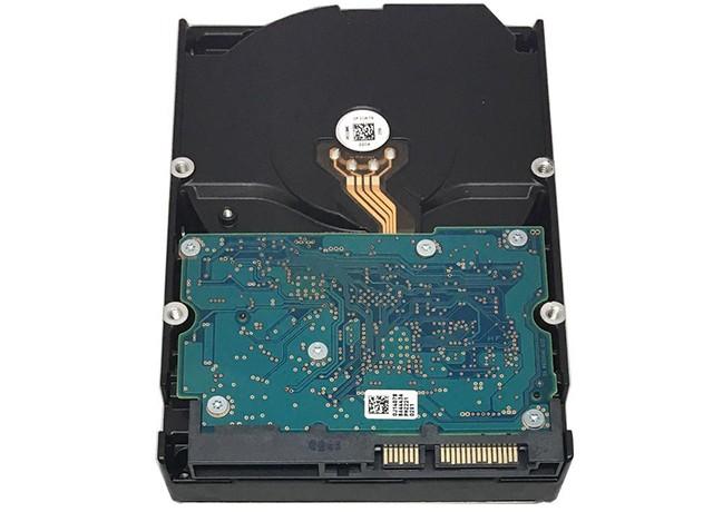HDD Hitachi HUA723030ALA641